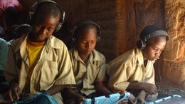 Children in Chad receive tablet education with Can't Wait to Learn from War Child