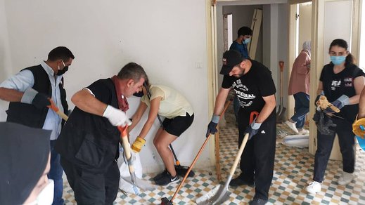 Helping out locals after the explosion in Beirut cleaning out their houses_War Child Lebanon