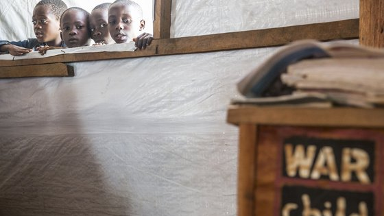 Burundi kinderen klaslokaal school War Child